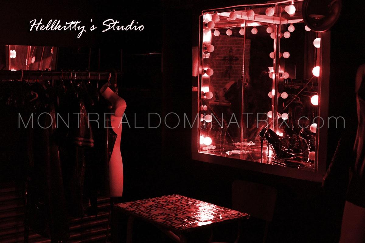 bdsm-dungeon-dressing-room