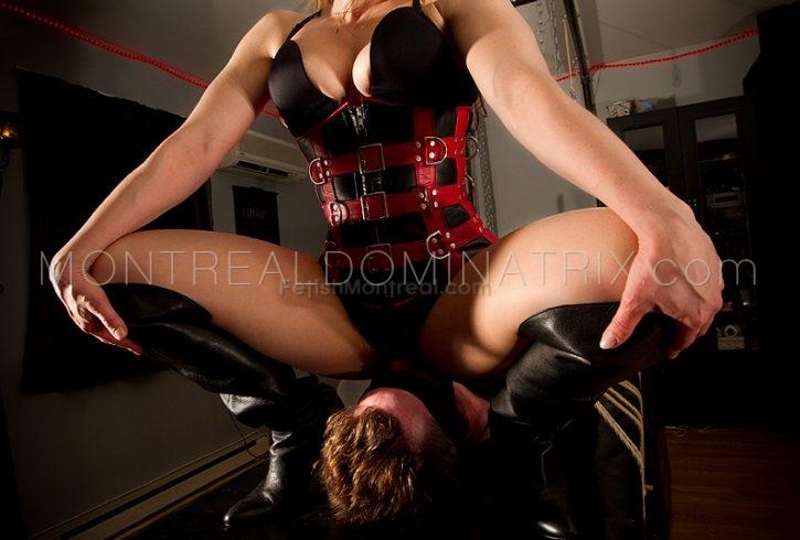 Montreal-dominatrix-mistress-Athenia-Kros