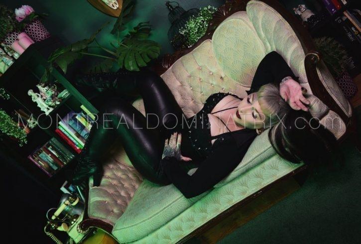 Busty Mistress Selene Pain Montreal