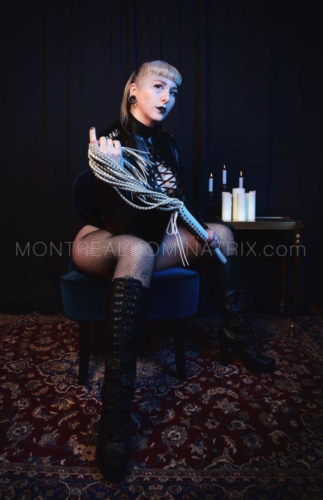 Whipping fetish Montreal Selene Pain