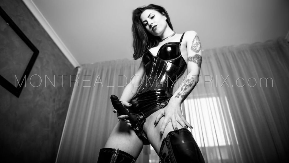 Pegging fetish strapon Mistress Malissia
