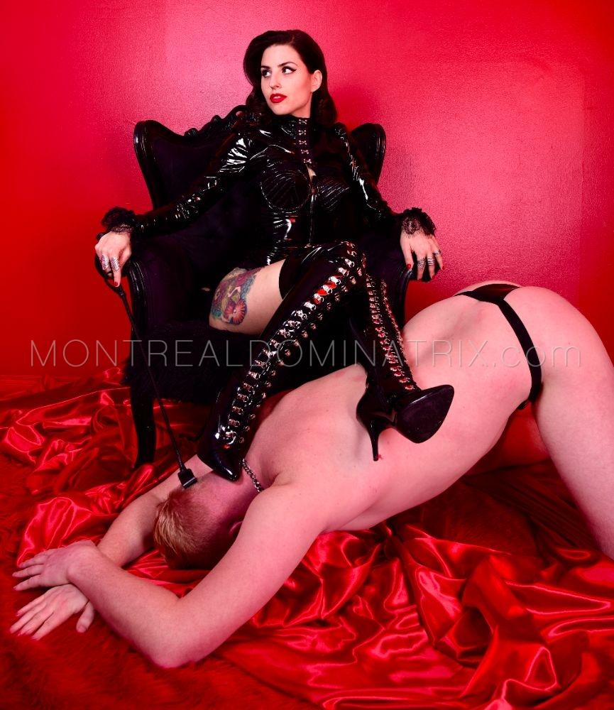 Human furniture fetish Mistress Malissia