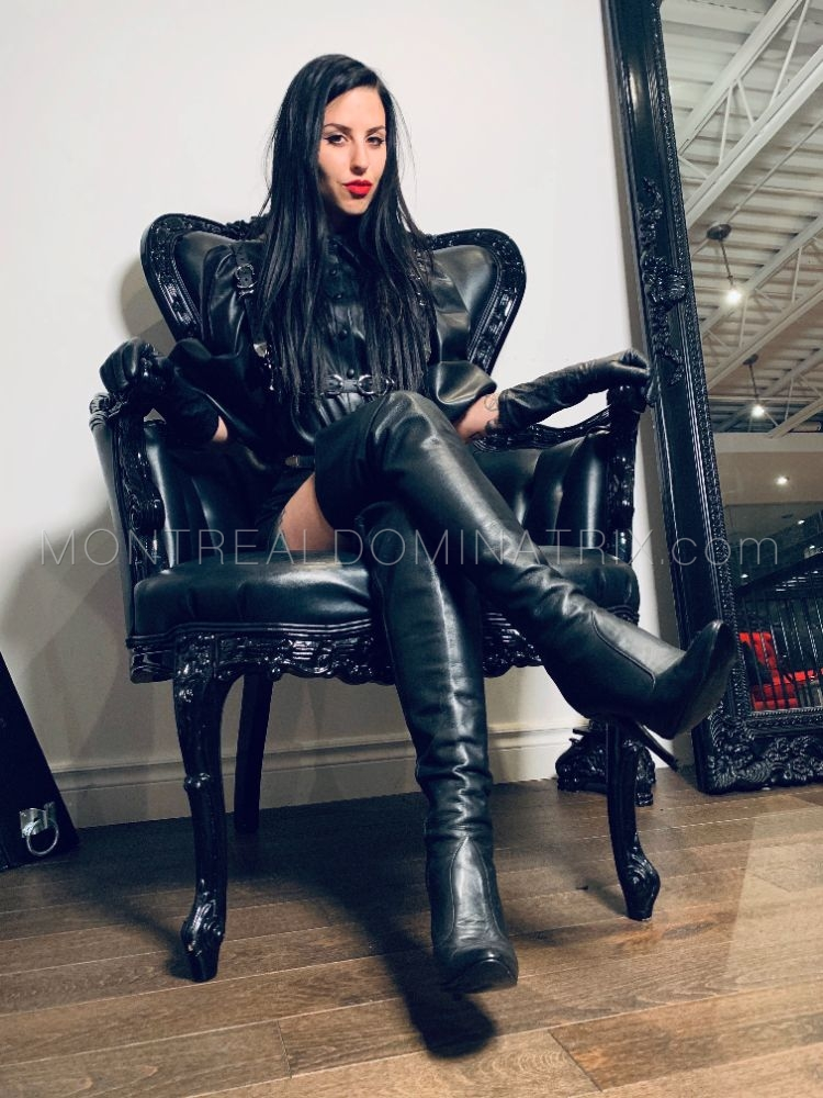 Leather boots fetish Mistress Malissia