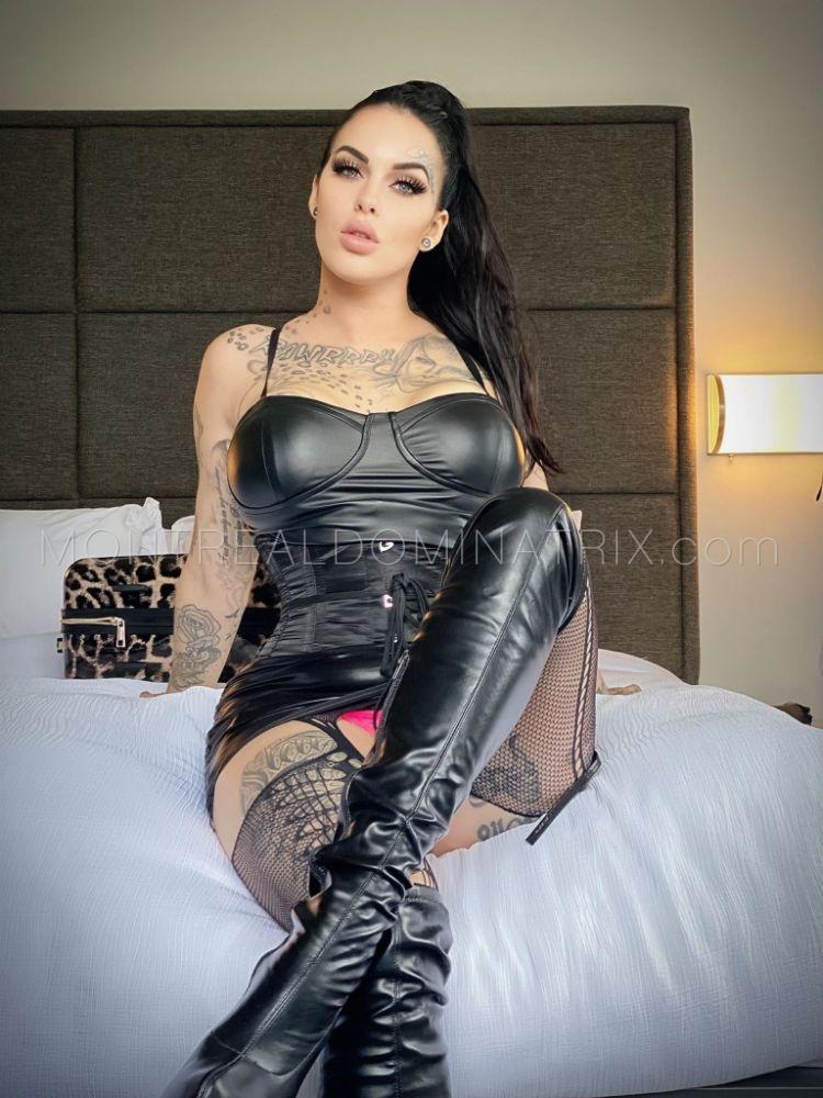 Leather boots fetish Goddess Bianka