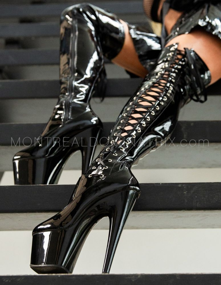 High-boots fetish Queen Joline