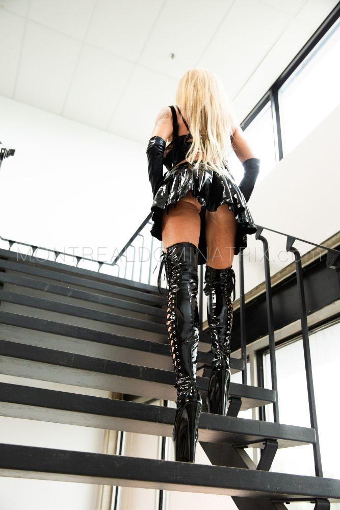 PVC fetish Mistress Queen Joline